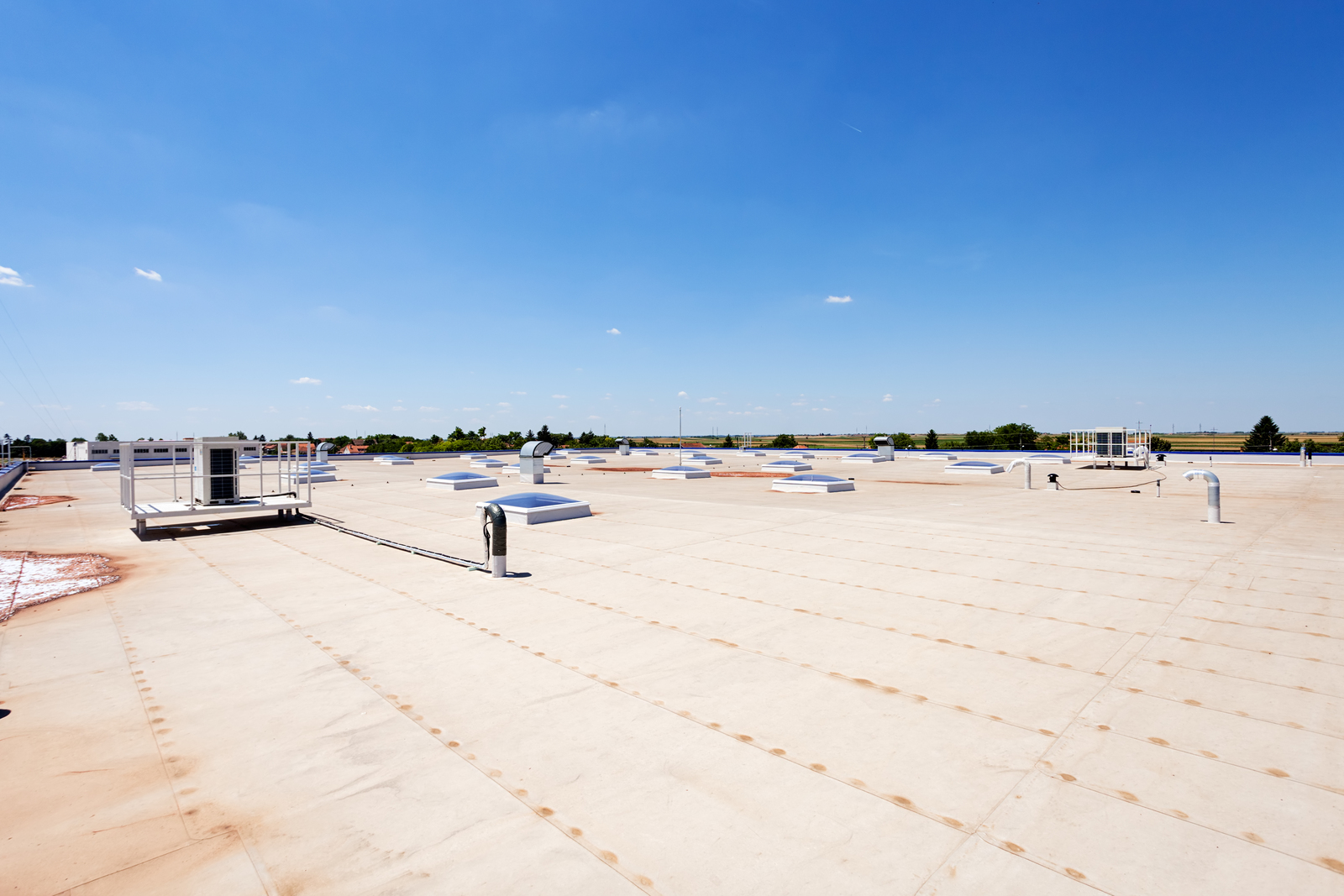 The Differences Between Commercial and Residential Roofs
